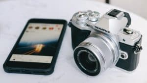 Camera and phone to post photos to instagram